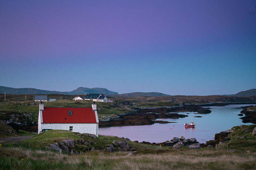 Bhgh Hulabhagh, a white house near a bar in Barra, Scotland